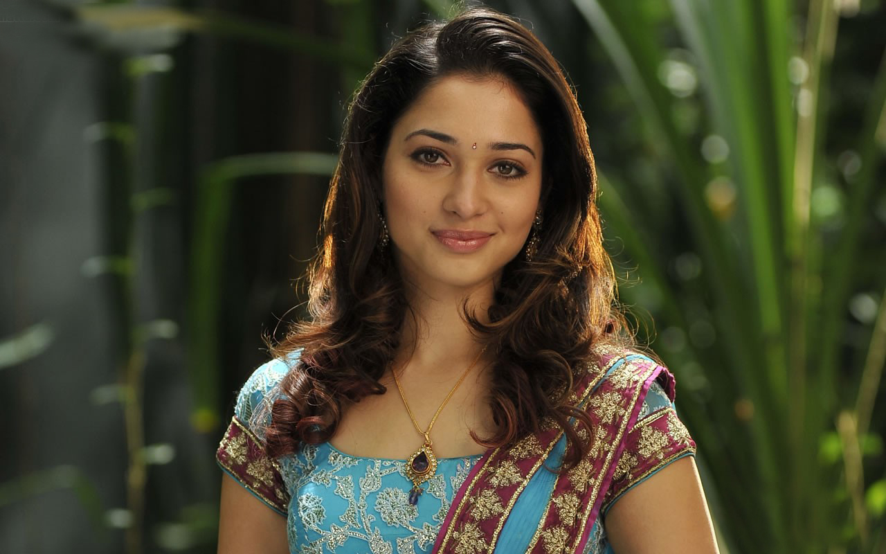 Download Bollywood Actress Hd Wallpapers 1080p Free: Tamanna Bhatia HD Wallpapers