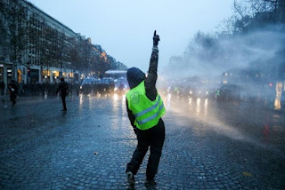 CLIMATE MARCH ECLIPSED BY RENEWED VIOLENCE IN YELLOW VESTS PROTEST IN PARIS