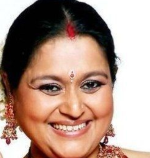 Supriya Pathak young, movies, and shahid kapoor, first husband, and ratna pathak, daughter, songs, singer, wiki, biography