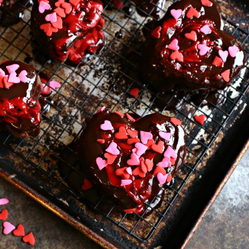Heart-Shaped-Chocolate-Cherry-Mini-Cakes