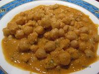 Garbanzos de Fuentesaúco con chorizo y picada de frutos secos