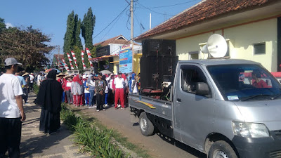 Kegiatan Jalan Santai Dalam Rangka Menyambut HUT RI Ke-73