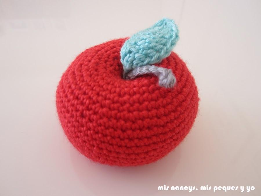 mis nancys, mis peques y yo, manzanas amigurumis, manzana roja