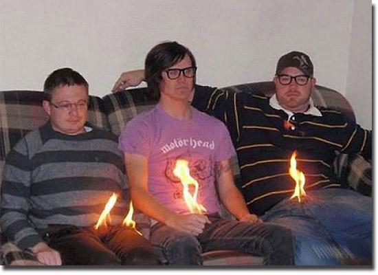 As fotos mais estranhas e inexplicáveis de todos os tempos - parte 2 - genitais em chamas