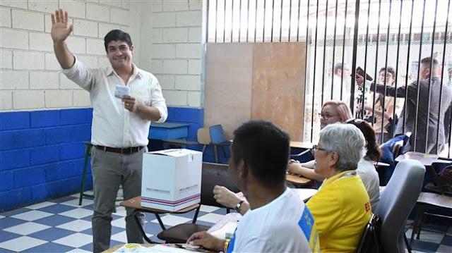 Center-left author Carlos Alvarado Quesada wins Costa Rica presidency