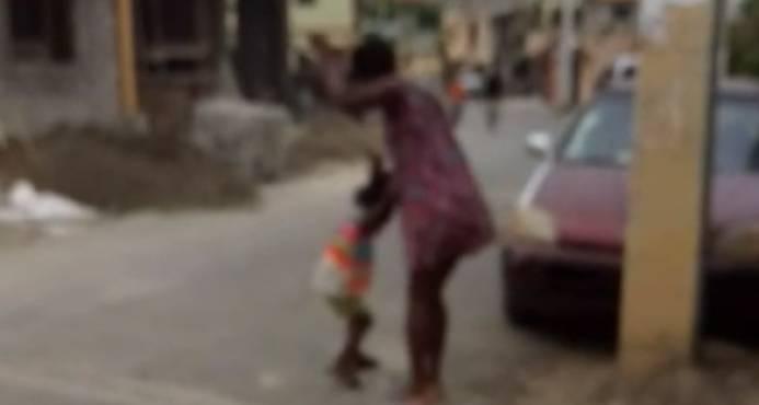Niña golpeada salvajemente por su madre está en Conani