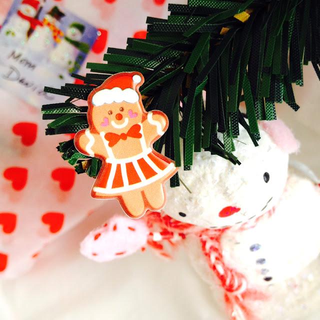 DIY Sticker Trees for Christmas | Linzer Lane Blog