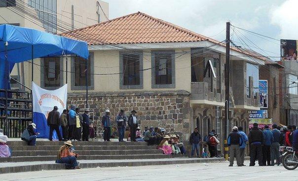Comuneros exigen al alcalde distrital de Chucuito (Puno) la ejecución de proyecto de saneamiento