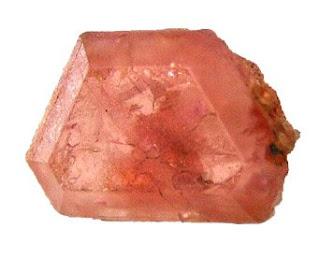 la pezzottaita es un raro mineral del grupo de los berilos