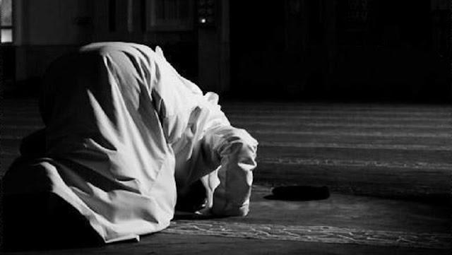 3 Doa yang Jangan Pernah Engkau Lupakan di Dalam Sujud