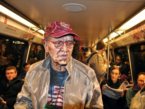 09-Transit-Performance-on-the-DC-Metro-01-Your-body-is-my-canvas-People-in-2D Paintings-Alexa-Meade-DC-Metro-www-designstack-co