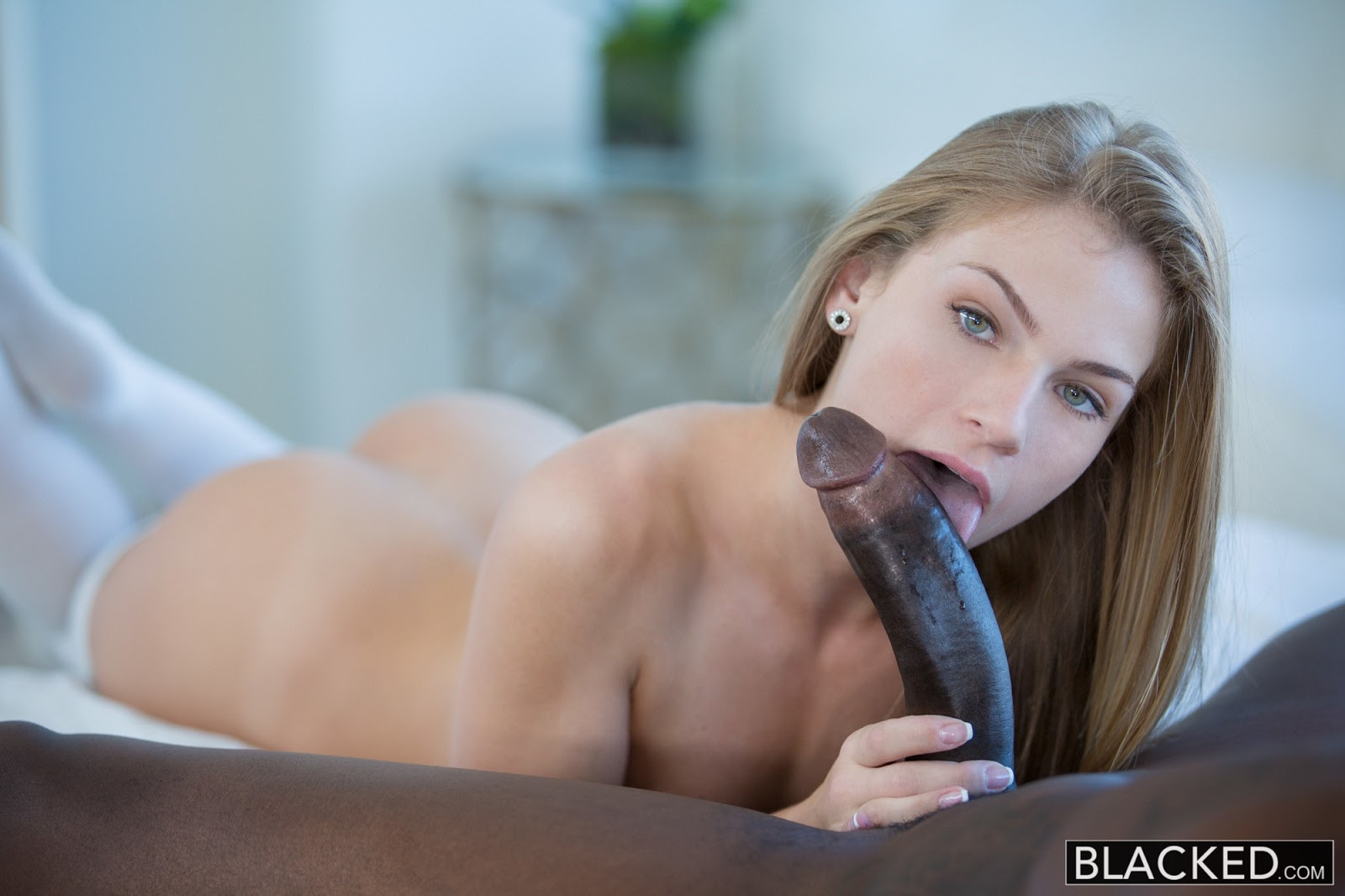 White Girl Swallow Bbc Cum