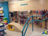 projeto arquitetura loja interior mobiliário rampa coleiras loja pet shop