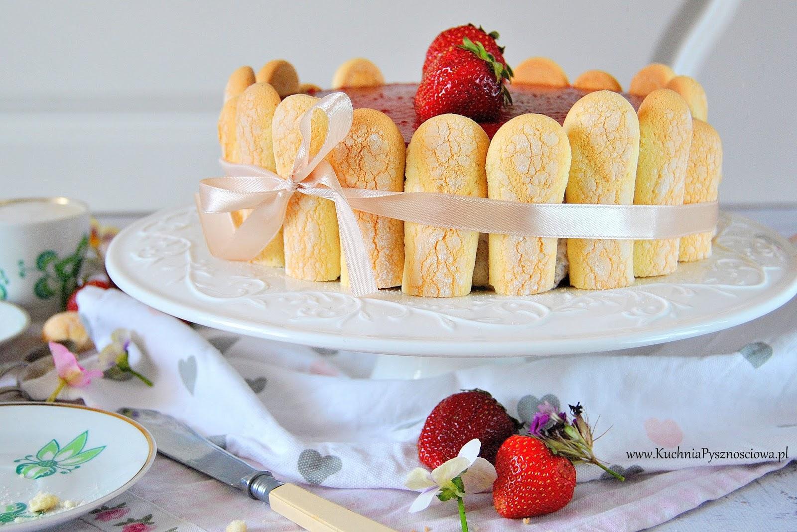 613. Tort truskawkowy z musem jogurtowym