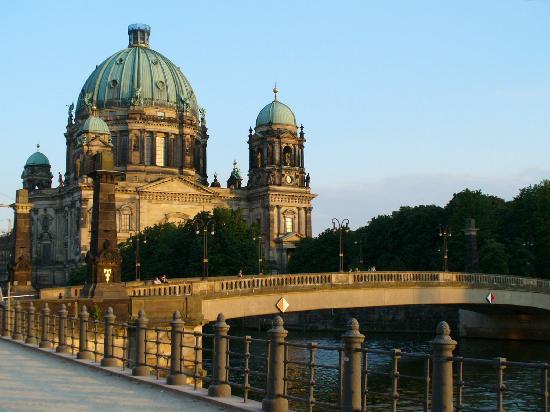 Hegelian News & Reviews: Hegel in Berlin (Part One)