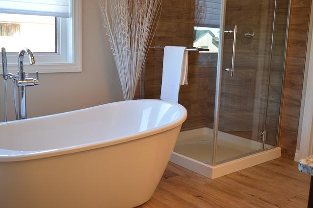 La rubinetteria e i sanitari coordinati per avere un bagno moderno di stile