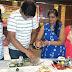 स्मार्ट क्लास मे मम्मियों को सिखाया बच्चो की पसंद खाना बनाना