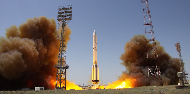 Proton-M launches with Intelsat 31/DLA-2 satellite. Photo Credit: Roscosmos