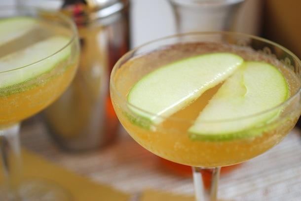 Spiced Apple Spritzers Recipe