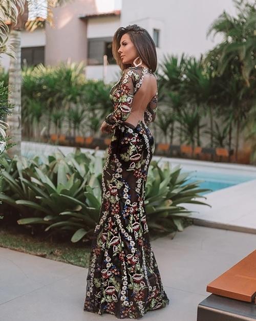 vestido de festa com transparência na saia
