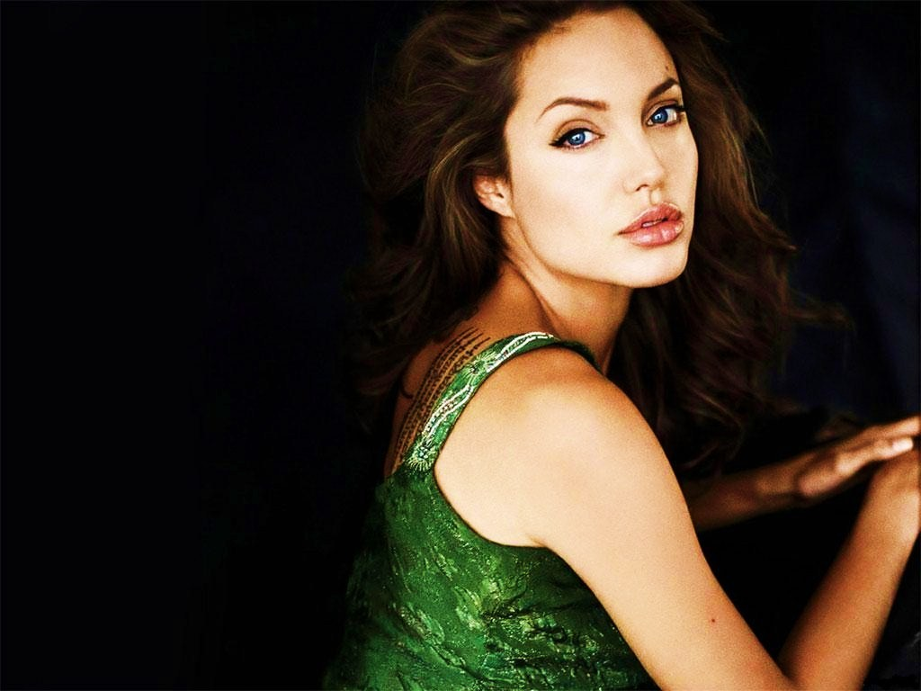 HD Wallpapers: Angelina Jolie HD Wallpapers(Page2