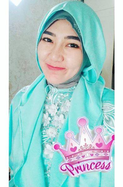650225 via hijab Foto Via Vallen Terlihat Makin Anggun Saat Berhijab, Awas Naksir!