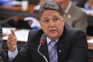 http://vnoticia.com.br/noticia/2334-garotinho-anuncia-saida-do-pr-e-critica-o-partido-sucursal-do-governo-temer