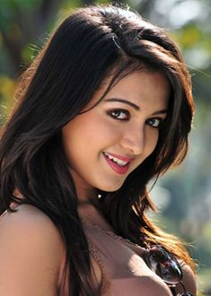 Catherine tresa mobile wallpaper mobile wallpapers - Actress wallpaper download for mobile ...