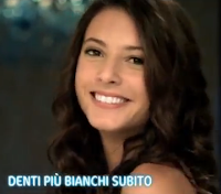 Modella Canzone Spot Tv Mentadent White Now