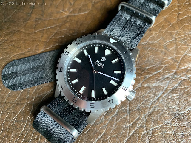 Dark Seal 12-hour bezel black