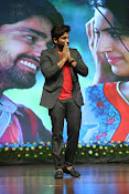 Allu Arjun at Oka Manasu Audio launch-thumbnail-10