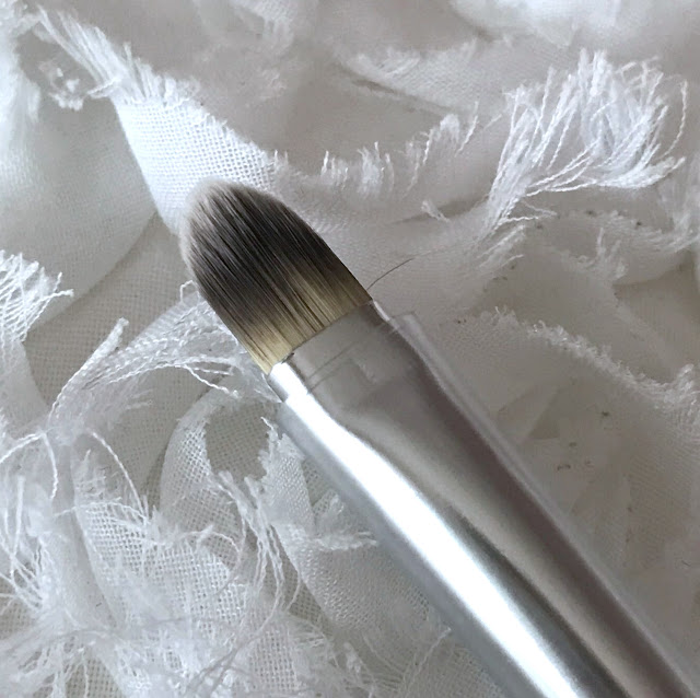 Blank Canvas F02 Double Ended Foundation & Concealer Brush