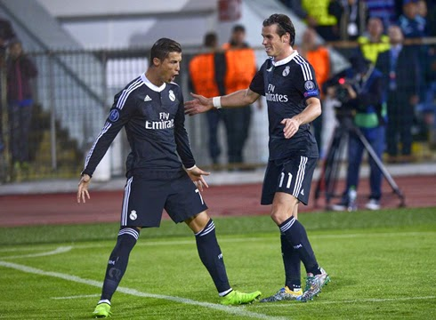 huge selection of 542e3 8f88c Cristiano Ronaldo And Benzema Helped Real Madrid To 2-0 Win ...