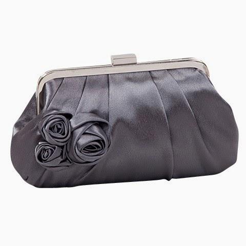 2271aa2c4710e Saplı çantalar, clutch çanta modelleri, taşlı çantalar, yılan derisi çanta  modelleri ve daha birçok çeşit tasarlanmış abiye kıyafetlerinizi tamamlamak  ve ...