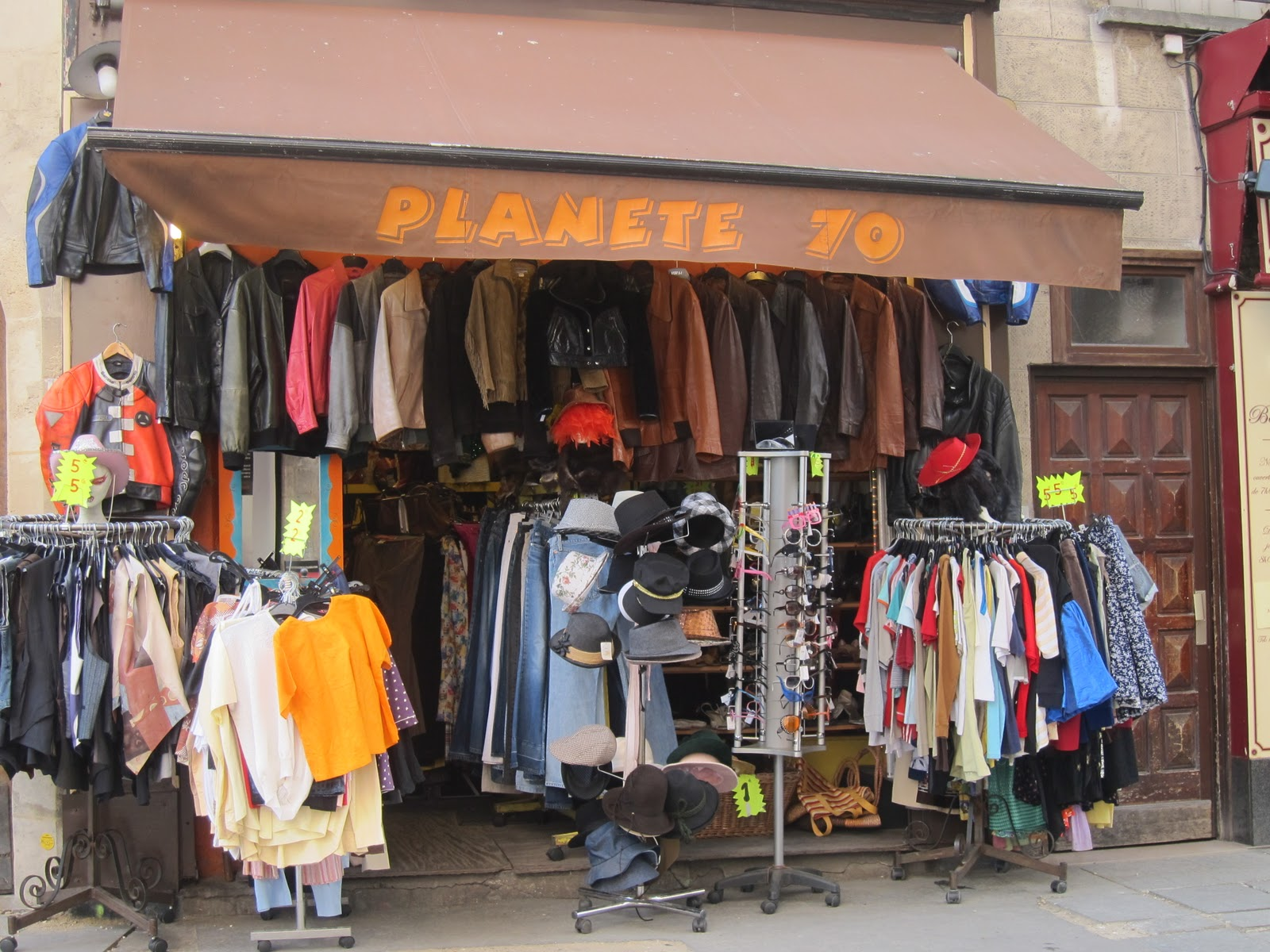 011d1f4aa87c2 Vintage In Paris: Planete 70