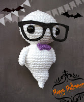 Amigurumi hipster ghost that glows in the dark