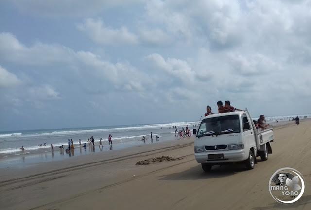 FOTO 2 : Wisata Pantai Bagedur, Lebak, Banten Selatan