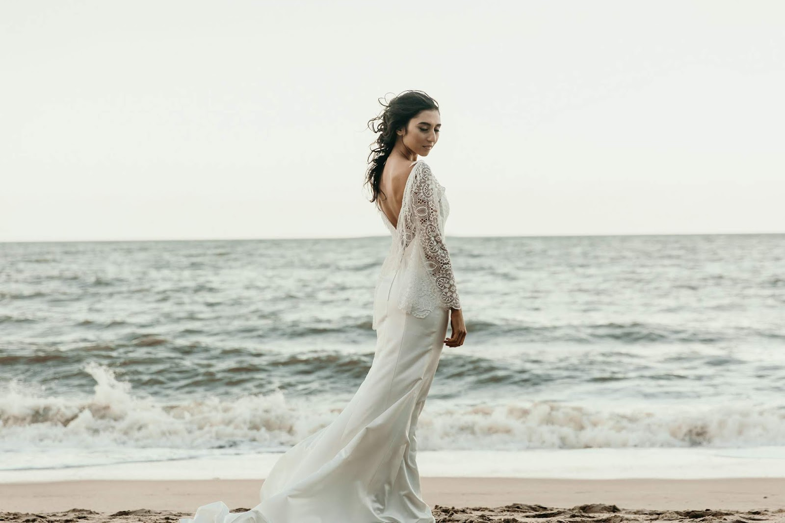 Q+A: JONOVIA BRIDE & DESIGN   BRIDAL COUTURE PALM COVE QLD