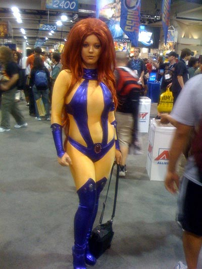 big hari starfire cosplay