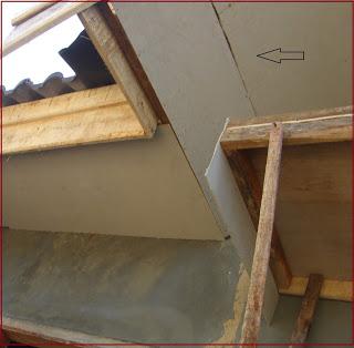 5 Penyebab Plafon Rumah Sering Retak 1