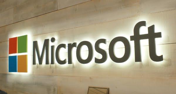 مايكروسوفت تكشف عن طريق الخطأ عن موعد تحديث ويندوز 10 القادم