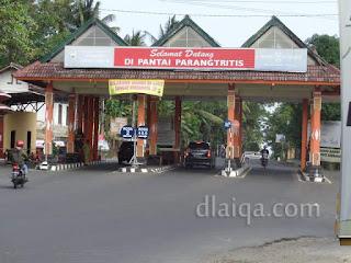 pintu masuk ke wilayah Parangtritis