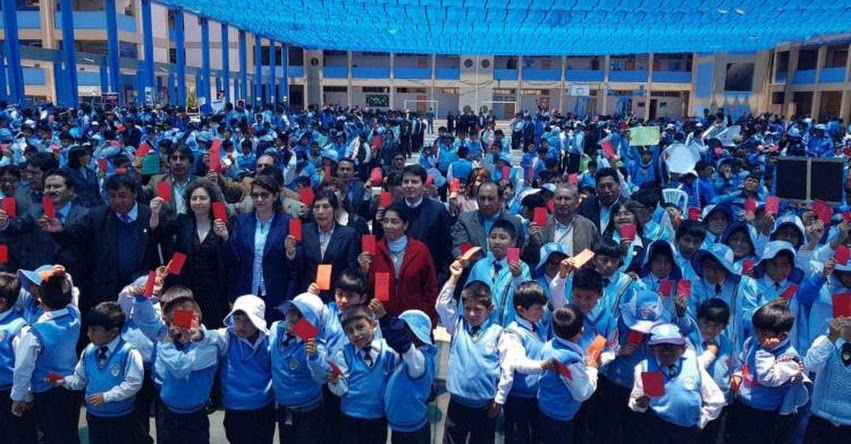 MINEDU presenta campaña «Sácale tarjeta roja a la violencia» en Cusco - www.minedu.gob.pe