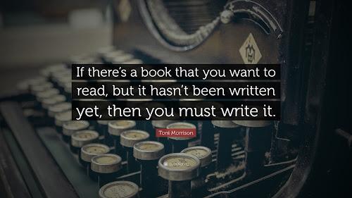 Frase inspiradora da escritora, com uma antiga máquina de escrever com teclinhas redondinhas de fundo