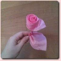 Роза-скрутка из салфетки