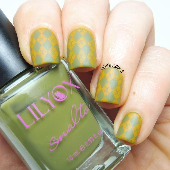 Nail art scacchi autunnale con stamping BeautyBigBang