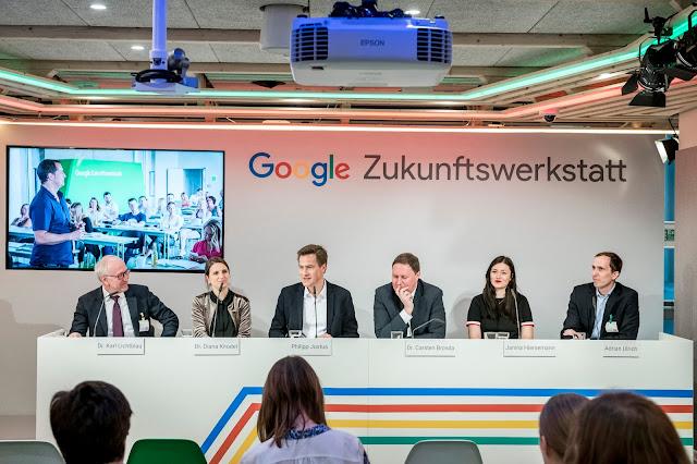 Eine Aufnahme einer Pressekonferenz.