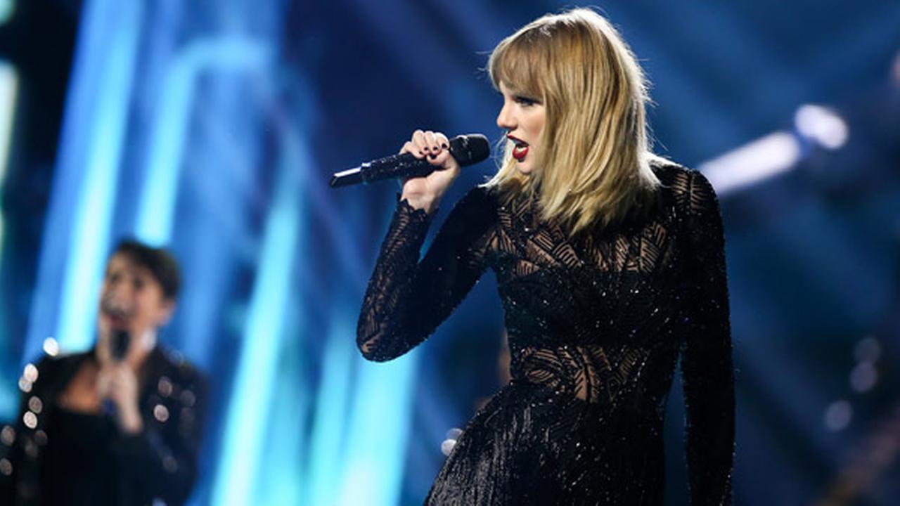 Taylor Swift presenta 'I Don't Wanna Live Forever' por primera vez en vivo