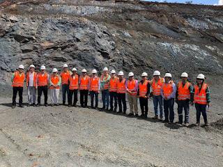 Chineses sobrevoam mina de ferro