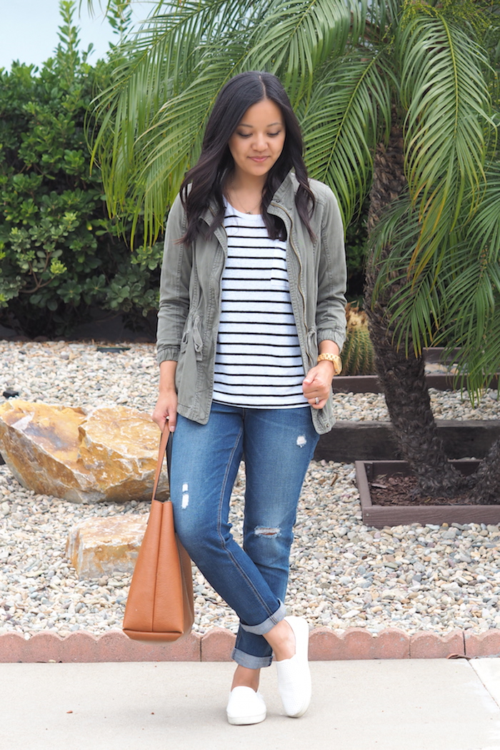 casual outfit with boyfriend jeans
